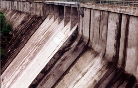 Ristrutturazione della diga di Mignano - 2° lotto. Adeguamento degli scarichi di superficie alla piena di progetto: ampliamento della soglia di sfioro, realizzazione della vasca di dissipazione al piede della diga, opere di completamento.