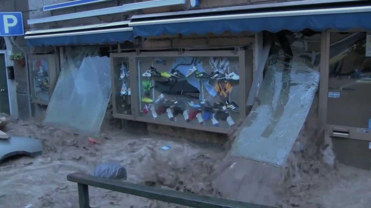 Foto2_Danni-evento-alluvione-04.10.2010-nel-ponente-genovese