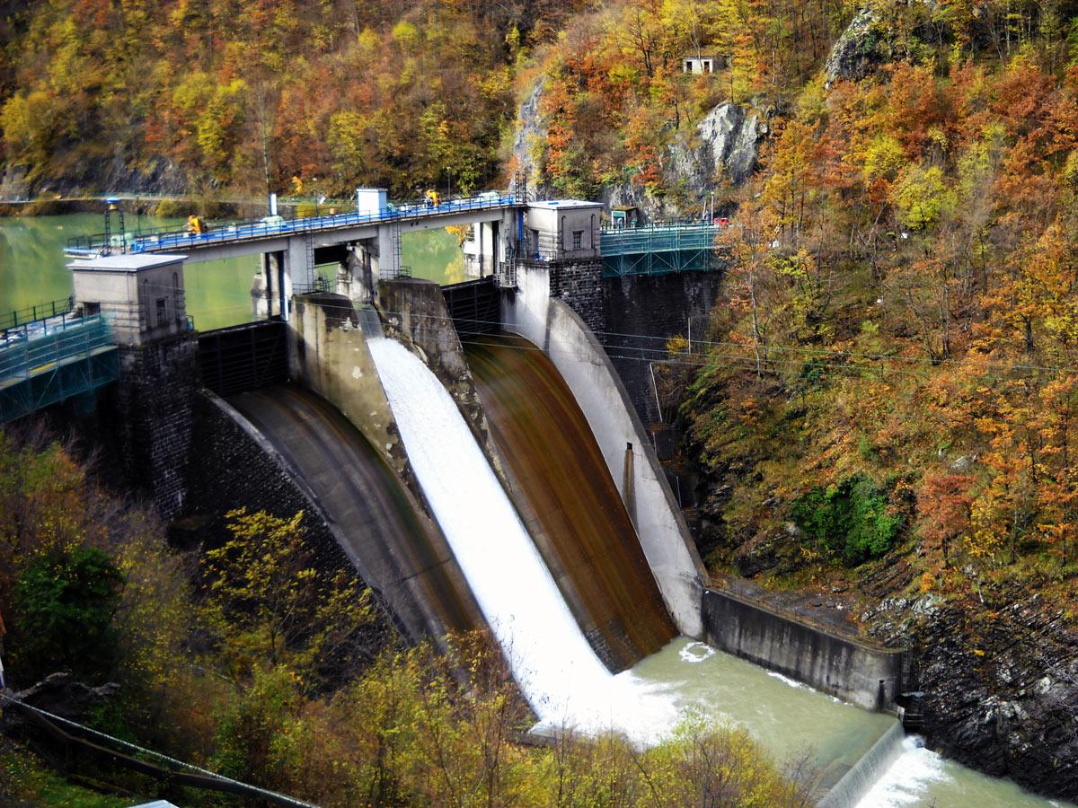 La diga di Boschi e l' alluvione del 14 settembre 2015 al V forum pubblico verso il contratto di fiume del Trebbia