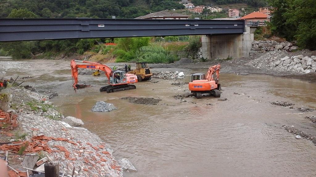 05-Cantiere-ricostruzione-pote-San-Pietro