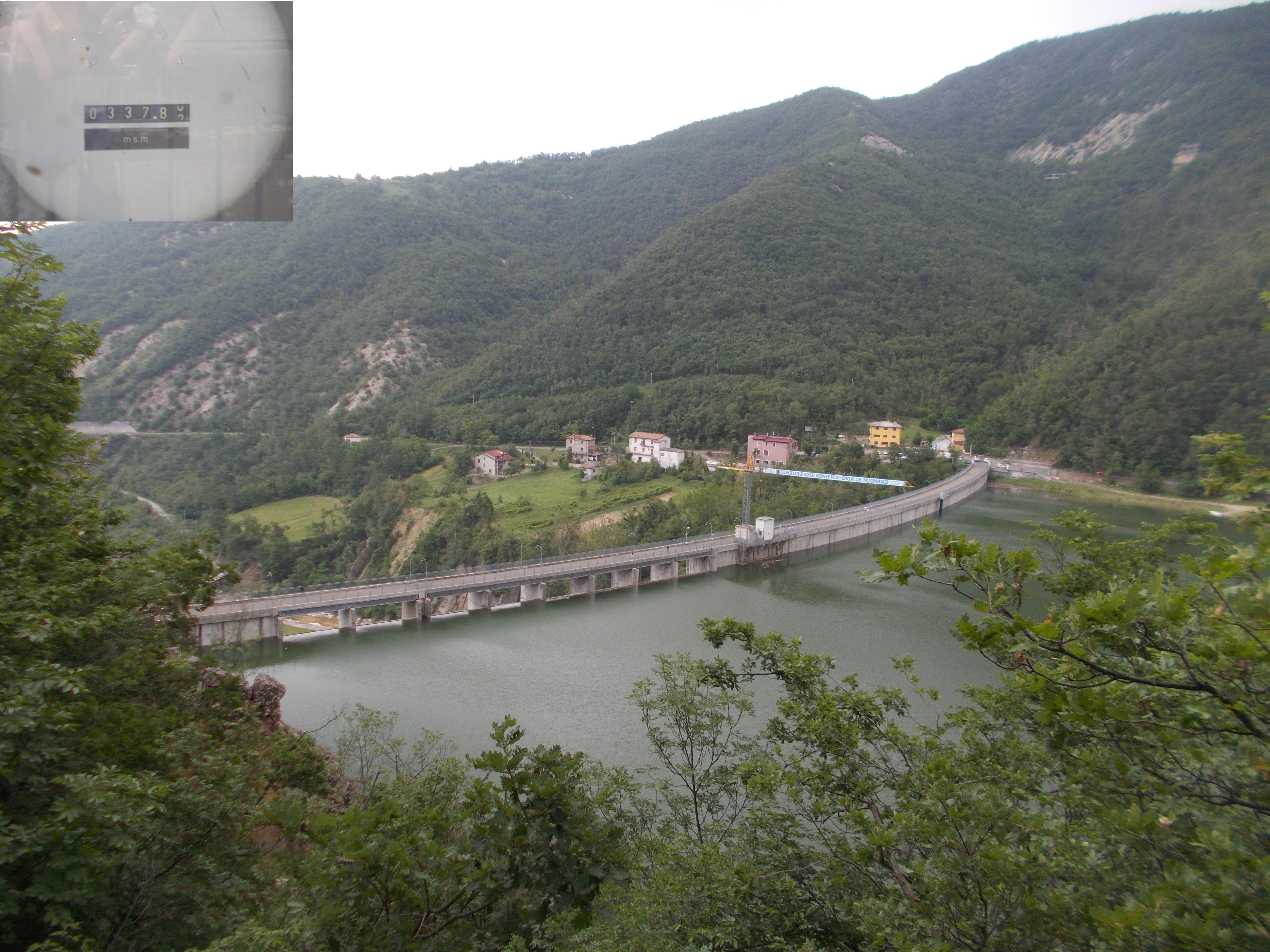 Diga di Mignano, vista da monte al raggiungimento della quota di collaudo