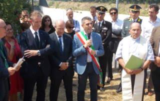 1.20 luglio 2018 – Posa della prima pietra alla presenza del Sindaco di Parma Federico Pizzarotti e del Prefetto, dott. Giuseppe Forlani